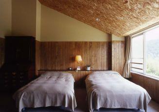 ベッドに差し込む光